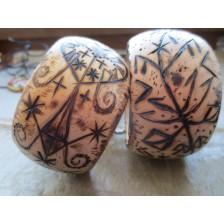 Талисманы и амулеты в виде браслетов с рунами