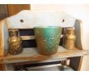 Денежные свечи в стакане с рунами